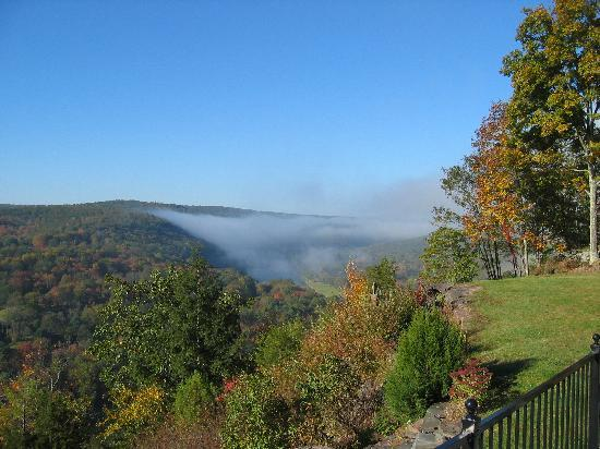 Ecce Bed and Breakfast: Misty Morning