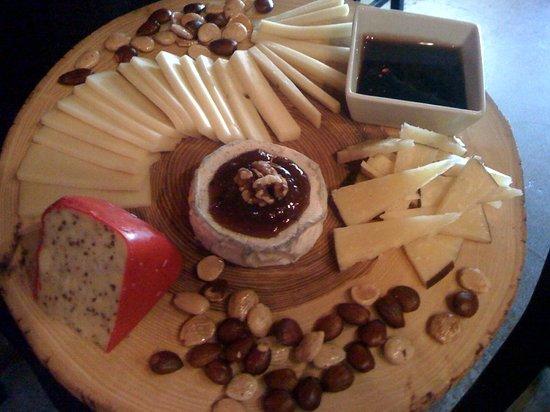 The Cellar : A custom cheese board