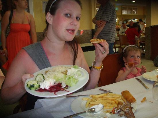 Hotel Villamarina Club: food   and plenty of it