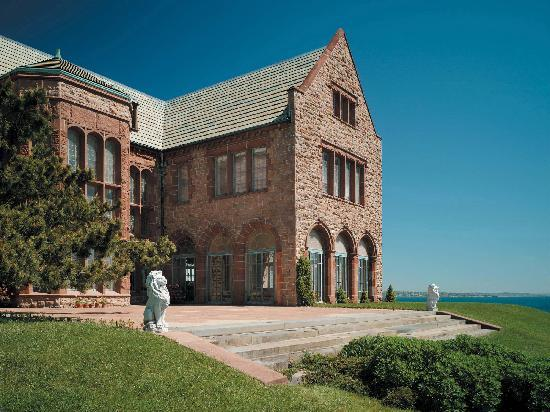 Rough Point: Home to 20th Century Heiress Doris Duke
