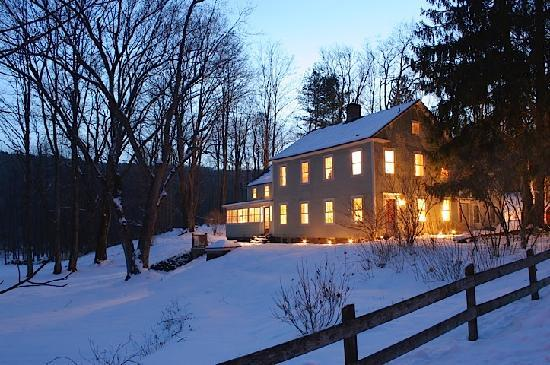 Inn at Green River: Winter twilight view -sking at Catamount 10. min south