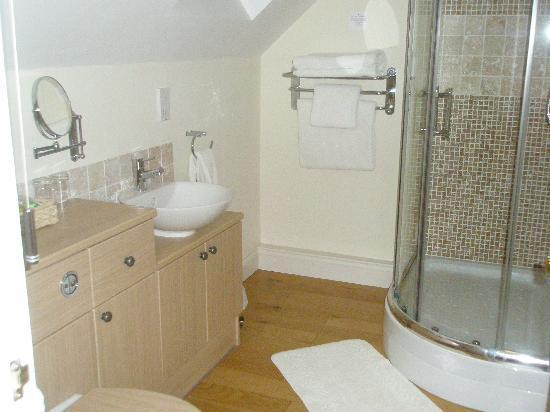 Ashfield House Luxury B&B: The wonderful bathroom!