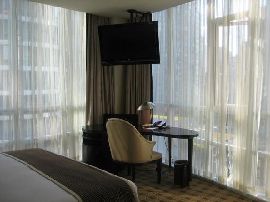 Loden Hotel: corner suite