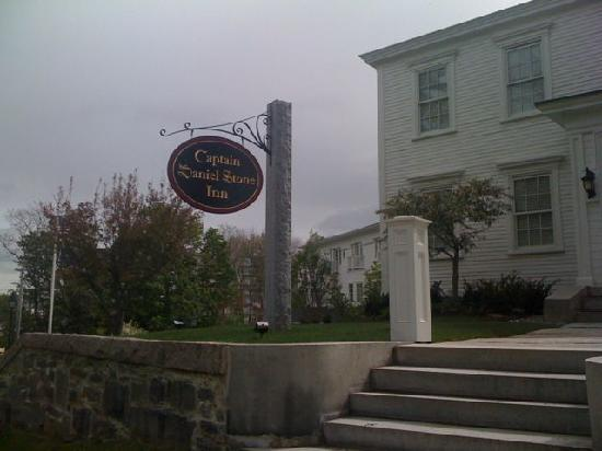 The Daniel: The inn includes a new wing and a historic home (it was very rainy when I took this)