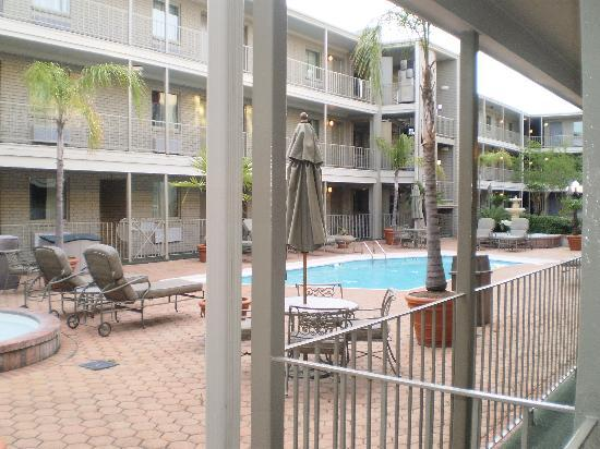Country Inn & Suites By Carlson, Metairie (New Orleans): pool is enclosed for safety