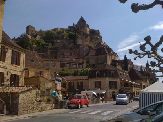 "Beynac-et-Cazenac, France: ""Downtown"" Beynac"