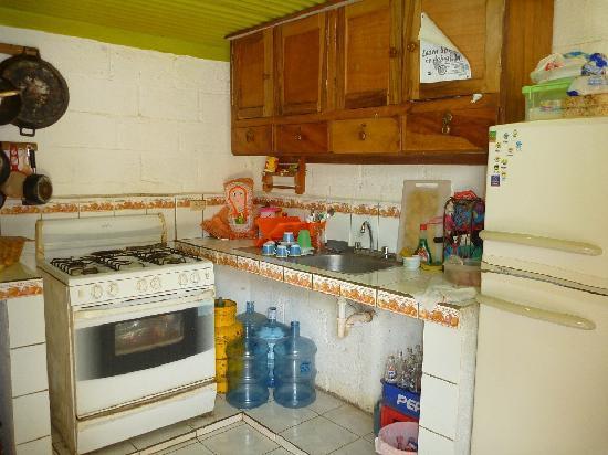 Chale's House: Kitchen