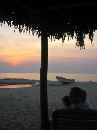 Tranquility Bay Beach Retreat: Watching the Sunset - Tranquility Bay Trujilo