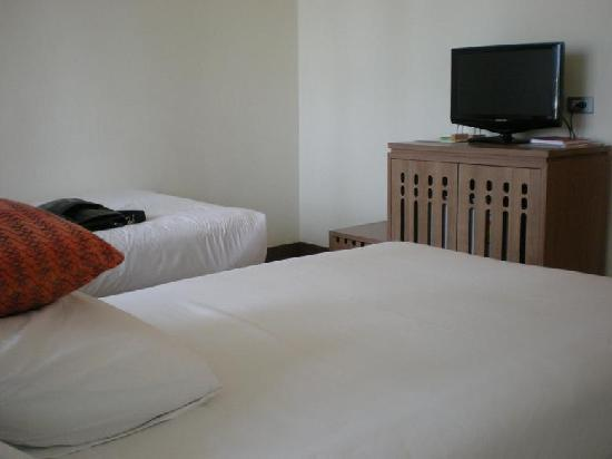 Maninarakorn Hotel: My twin bedded room
