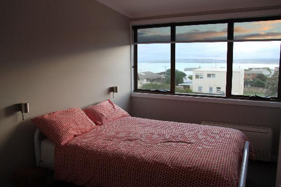 Port Elliot Beach House YHA: double room