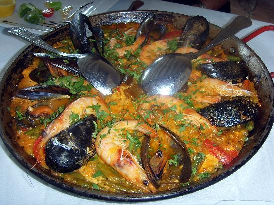 Green Olive: Our paella