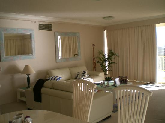 Contessa Holiday Apartments: sitting room
