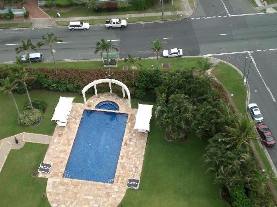 Contessa Holiday Apartments: outdoor swimming pool