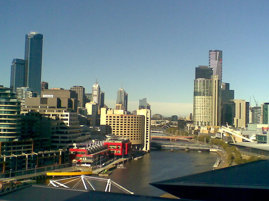 Hilton Melbourne South Wharf: View of Melbourne from our room.