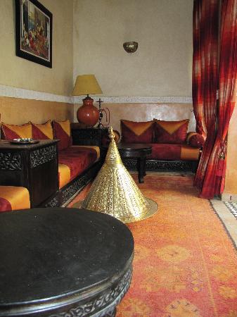 Riad Nabila: un des petits salons