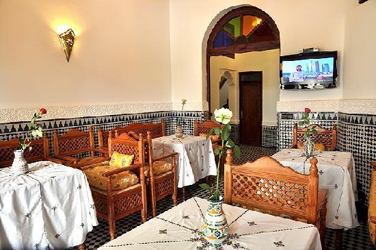 Salon, Restaurant - Picture of Riad Jardin Chrifa, Fes ...