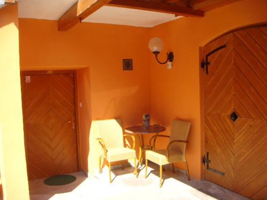 Rooms and Apartments Silak: Our Door