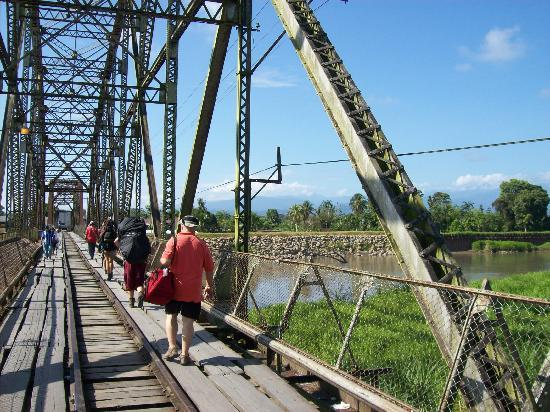 Puerto Viejo, Costa Rica: Bridge crossing from CR to Panama