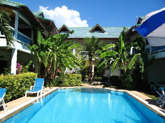 Ya Nui Resort: Pool im Tripischen Garten