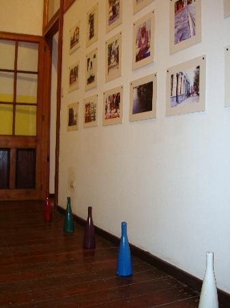 Hotel Da Vinci Valparaiso: Decoración en todas partes