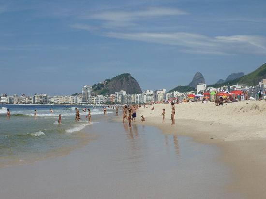 Hotel Novotel Rio de Janeiro Copacabana: Copacabana Beach near Leme
