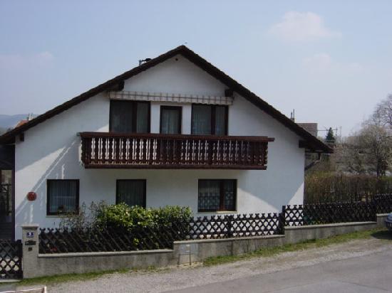 Haus Lechner: Strassenansicht Pension Lechner