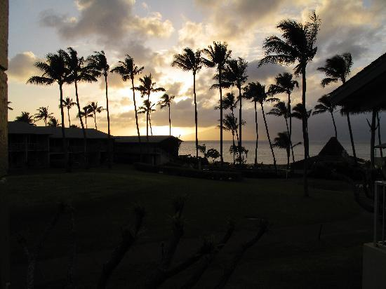 Napili Shores Maui by Outrigger: Sunset from our Balcony.  Room 213.