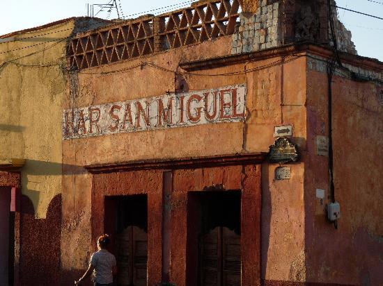 Casa de Suenos Guest House: the warm color