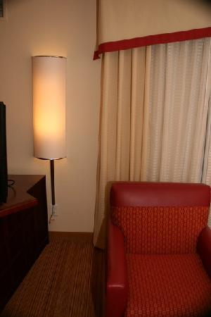 Residence Inn Florence: european lighting