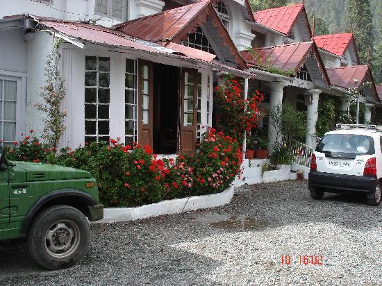 Swiss Cottage: Swiss-Hotel Main entrance