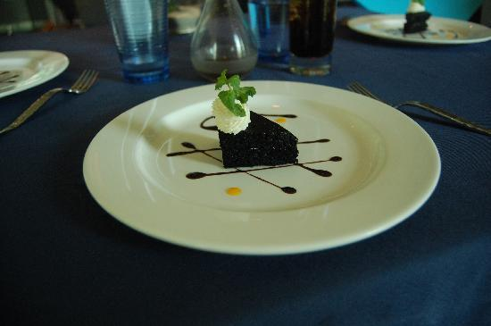 Yats Restaurant and Wine Bar: Chocolate Desert part of Yat's Lunch special