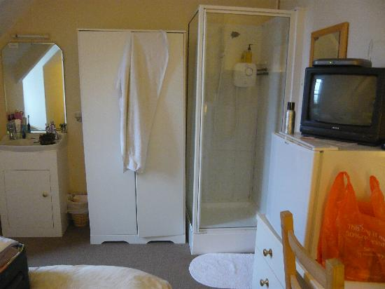 The Donnington Guesthouse: Is this a 3* room?