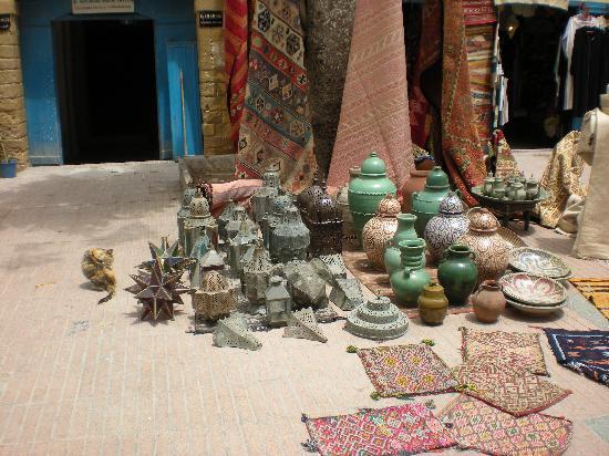 Riad Mazal: mercanzia in medina