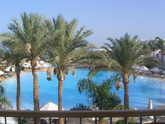 The Royal Savoy Sharm El Sheikh: Main swimming pool