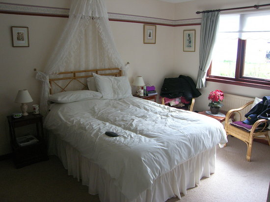 Kilmore Farmhouse: our room