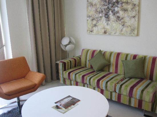 Fraser Place Kuala Lumpur: sofa