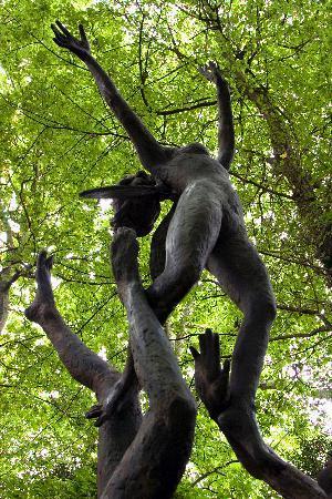 King John's Lodge: KJL Garden statue