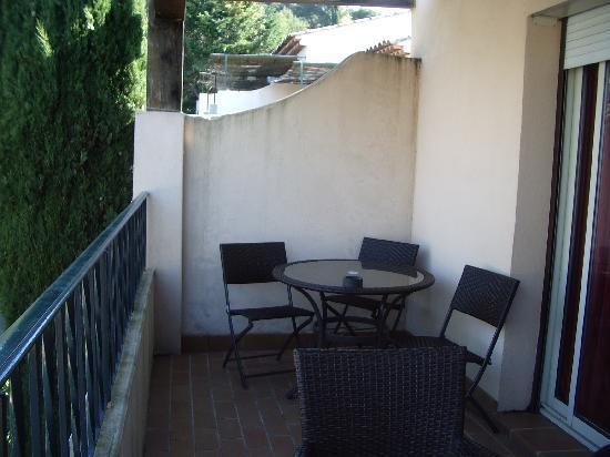 Domaine du Jas: Une partie du balcon.