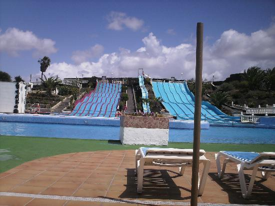 Aquapark Costa Teguise : Knowone in water , bloody cold!