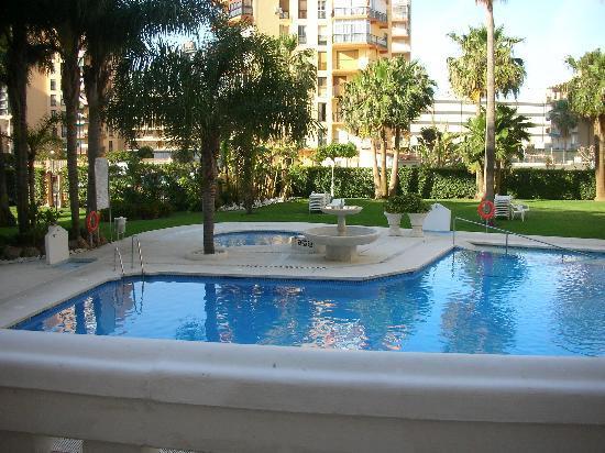 Hotel Parasol Garden: vue du balcon
