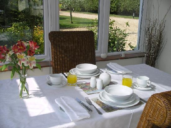 Pine Trees Cottage: Conservatory Breakfast Room