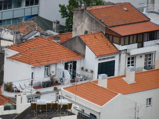 Apartamentos São Paulo e Alegria : l'hôtel et la terasse vus du fort