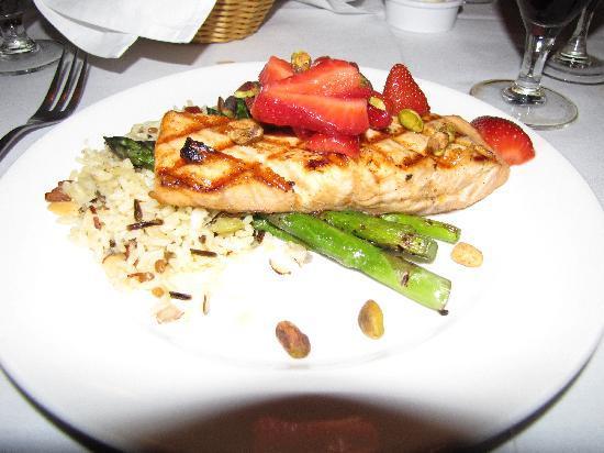 Owens' Restaurant: Salmon-- it smelled like chocolate!!