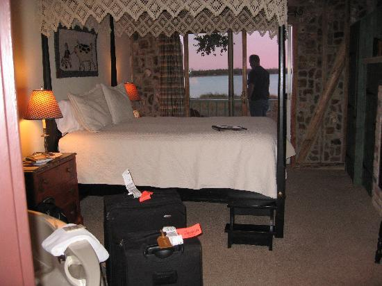 Blacksmith Inn On the Shore: our room - #5 in the Zahn house