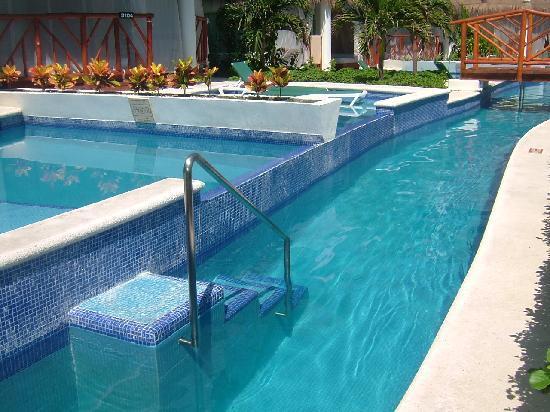 El Dorado Casitas Royale by Karisma: Plunge pools in front of Infinty Swimup Casitas.  Block 31.