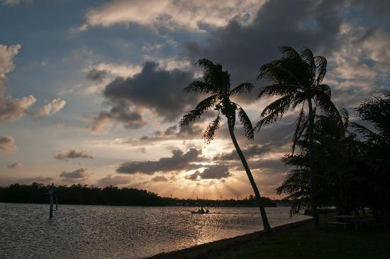 Matheson Hammock Park: Sunsets are awesome providing scenic photo ops