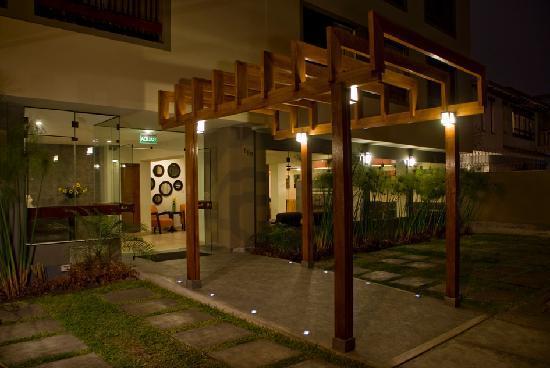Girasoles Hotel: The new hotel entrance