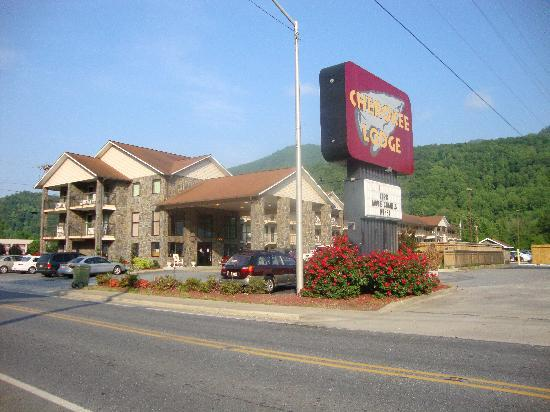 Cherokee Lodge: hotel from outside