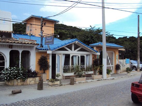 Pousada Amendoeira as seen from the street.