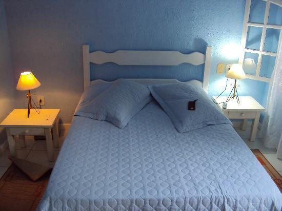 Pousada Amendoeira : Cool blue of Room #1
